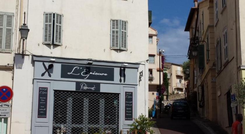 27 Place du Suquet Cannes (Cannes)