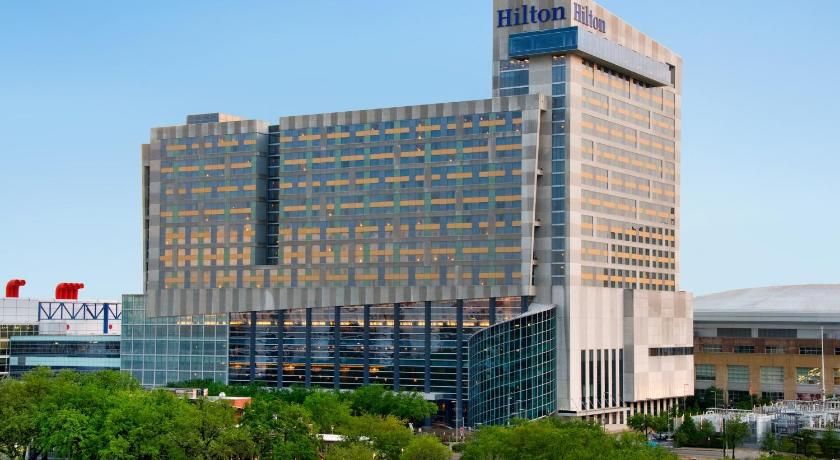 Hotels Around Toyota Center Houston