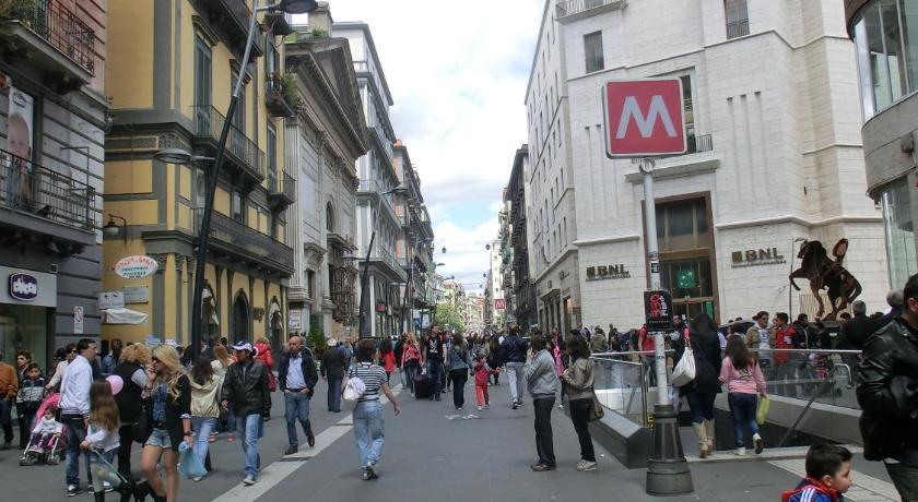 Napoli Centro - Ombelico Di Partenope (Neapel)