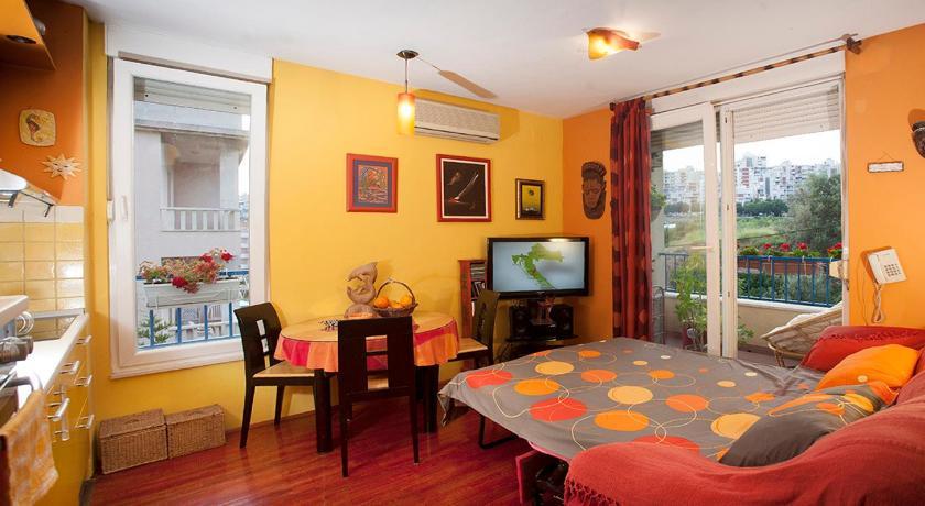 Apartment Sunny Yellow (Split)
