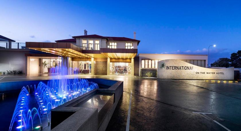 Intl on the Water Hotel