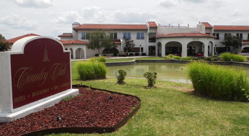 lake ozark country club hotel spa: