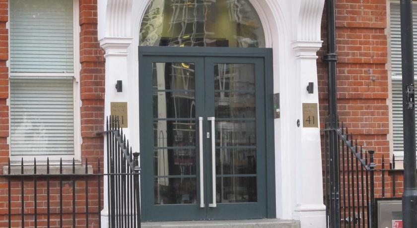 London Escorts Near 41 Albany House