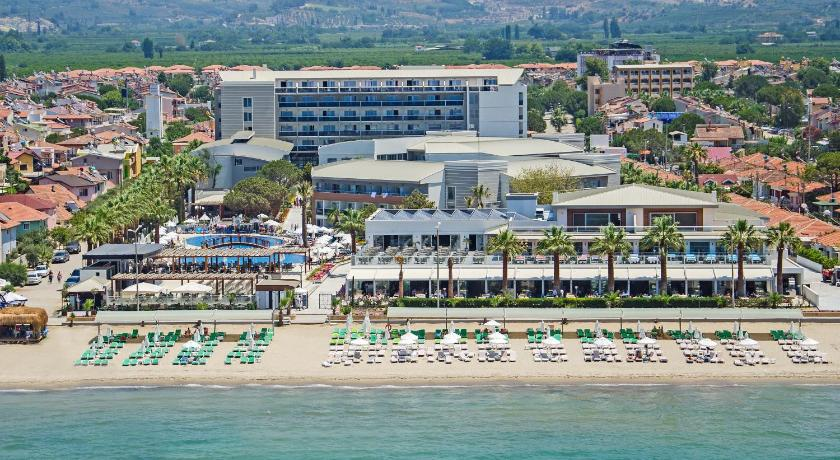 Kusadasi Hotels on The Beach Hotel Palm Wings Kusadasi
