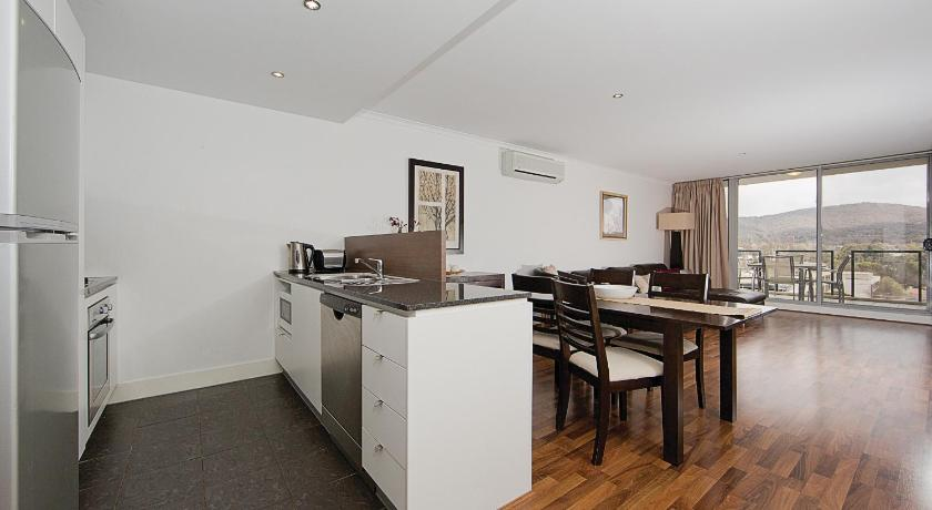 Apartment Accommodate Canberra Northbourne Av