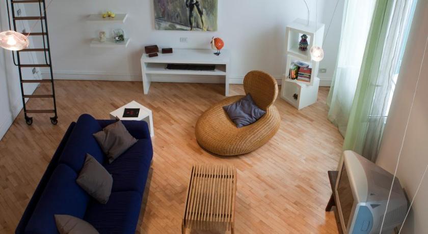 Pasquale Scura Halldis Apartment (Neapel)