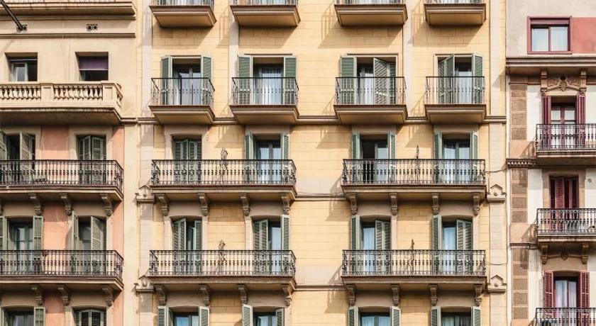 H10 Universitat (Barcelona)