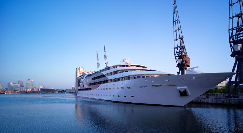 London Escorts Near Sunborn London Yacht Hotel