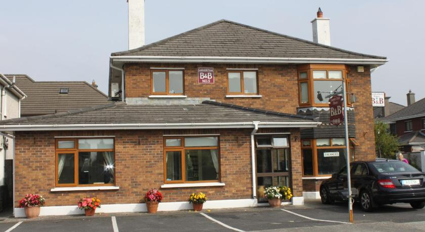 Gardenfield House Bed & Breakfast (Galway)