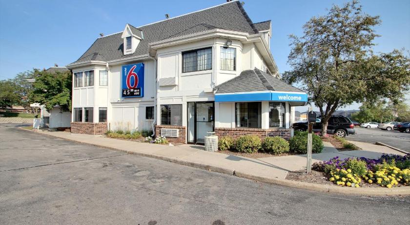 Motel  Milwaukee West Brookfield Wi