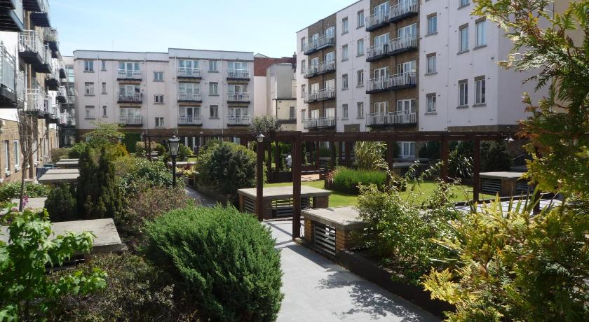 Garden Walk Apartments: 1 / 10