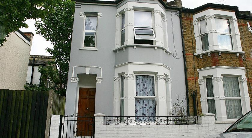 London Escorts Near Beryl Road Apartment - BRL