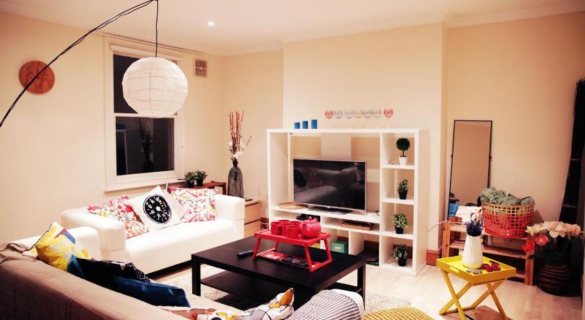 London Escorts Near Family 3 Bedroom Home in Maida Vale