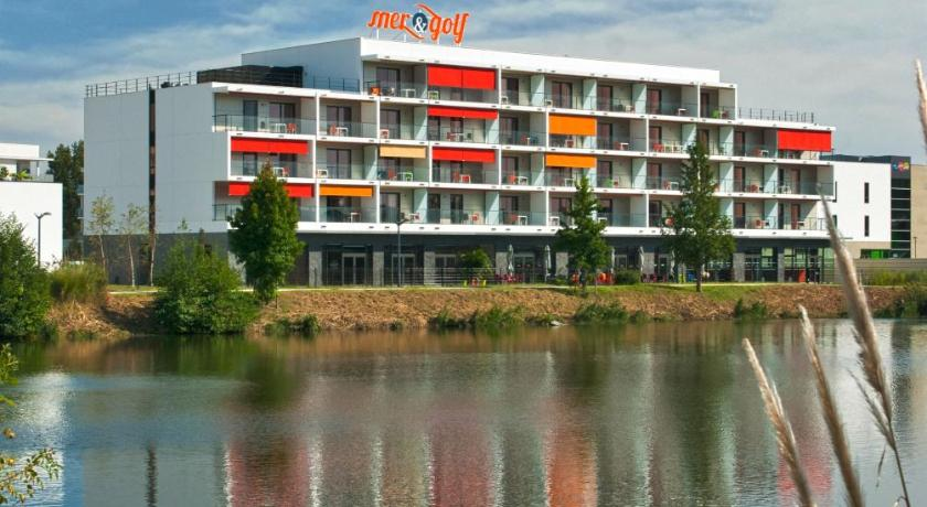 Appart h tel mer golf city bruges france for Appartement hotel bordeaux lac