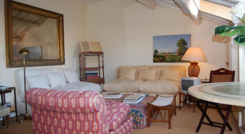 RSH Monserrato Apartments (Rom)