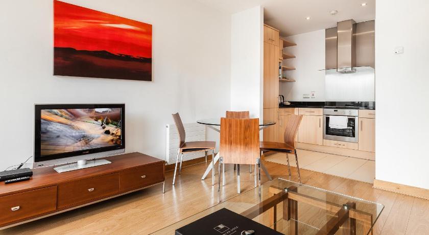 Spencer Dock Apartments (Dublin)