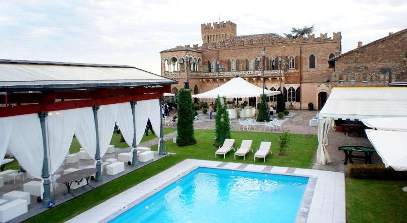 Affittacamere castello di mornico italia montalto pavese for Soggiorno castello