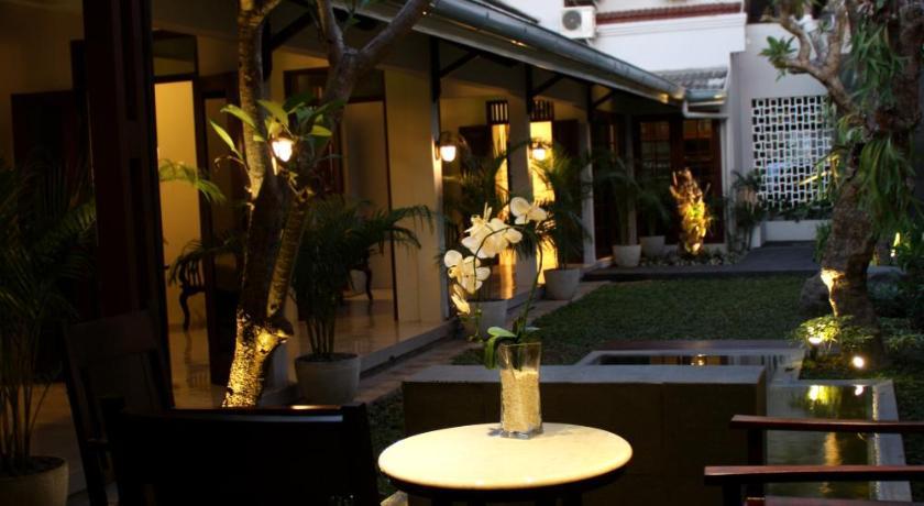 Grand Marto Hotel