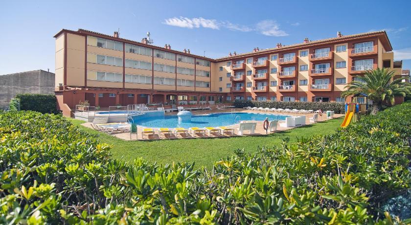 Rvhotels estartit confort l 39 estartit espagne for Reservation appart hotel espagne