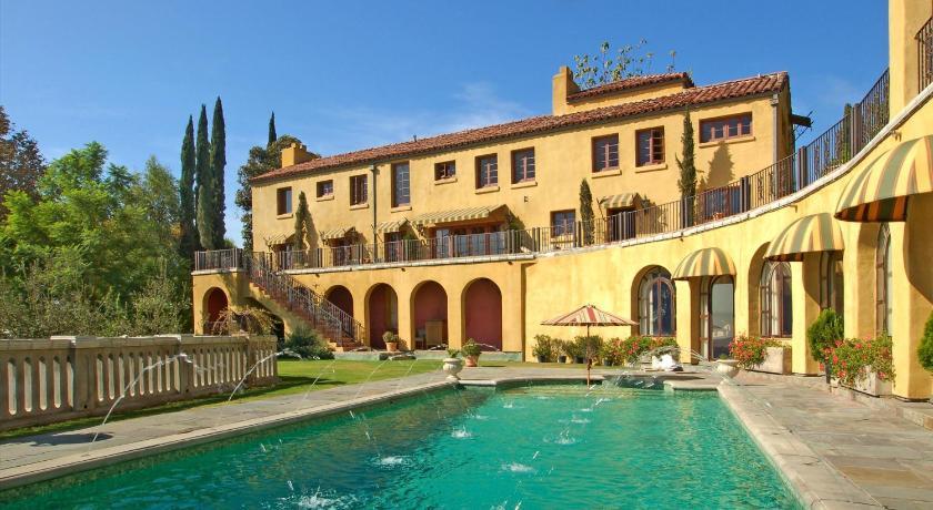 The Villa Sophia (Los Angeles)