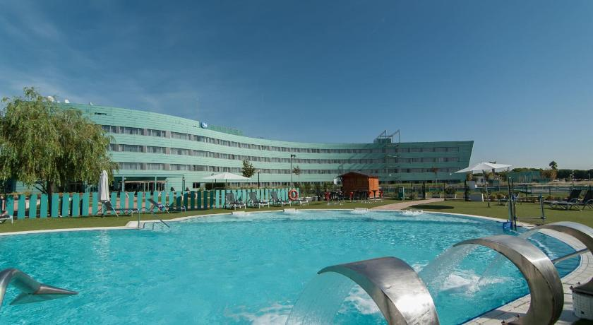 Hotels Near Barcelona Airport With Pool