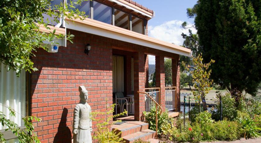 Vacation Home Derwent Retreat