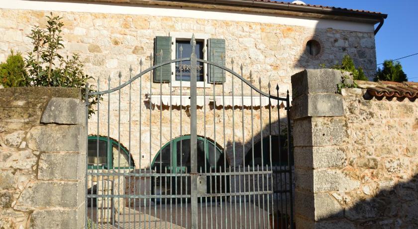 Villa Veleniki (Porec)