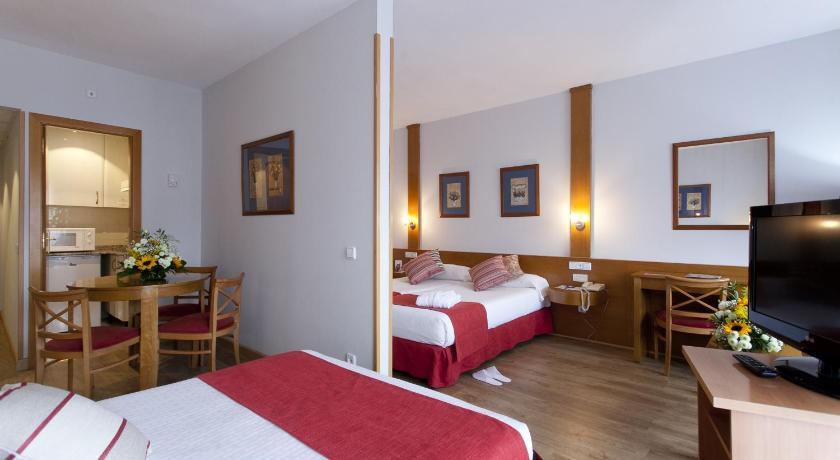 Aparto Suites Muralto (Madrid)
