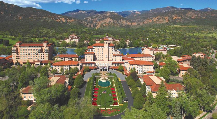 Resort The Broadmoor Colorado Springs Co Booking Com