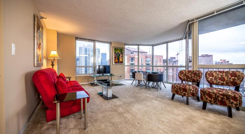 Chicago Skyline Apartment (Chicago)