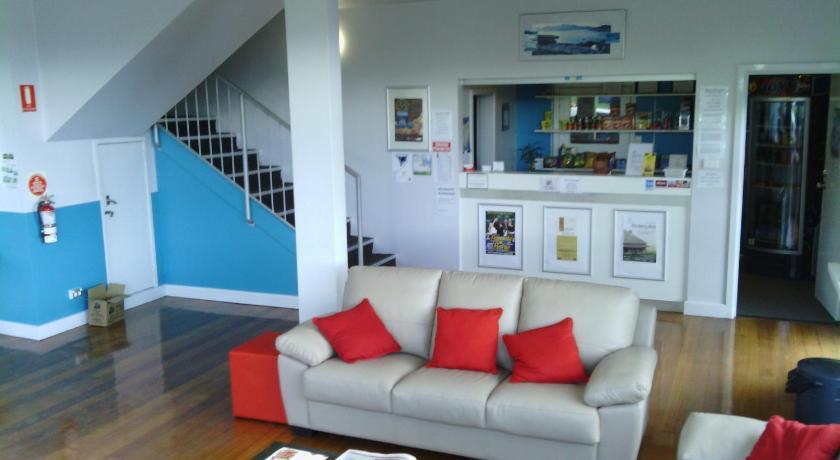 Inn Waterfront Lodge