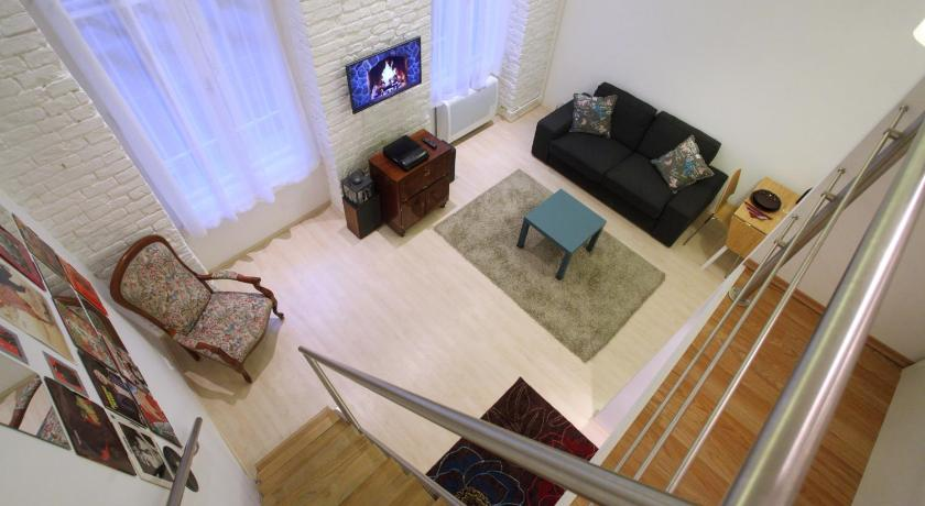 Fashionable Central Apartment (Budapest)