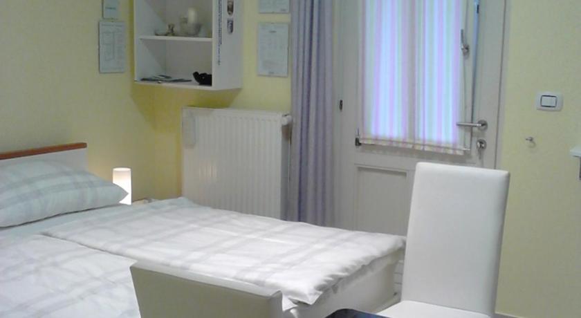 Room Sarah (Rijeka)