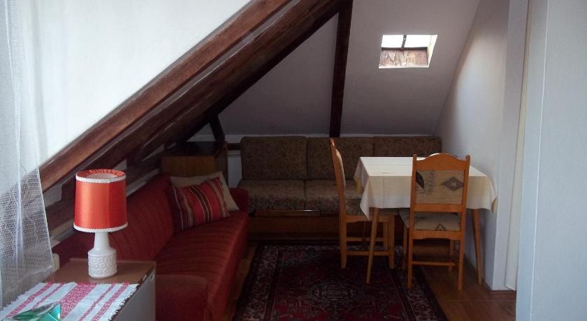 Podkrovní byt - Na Slovance in Prag