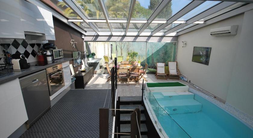 Hotel cannes piscine interieure 28 images piscines - Hotel etretat piscine interieure ...