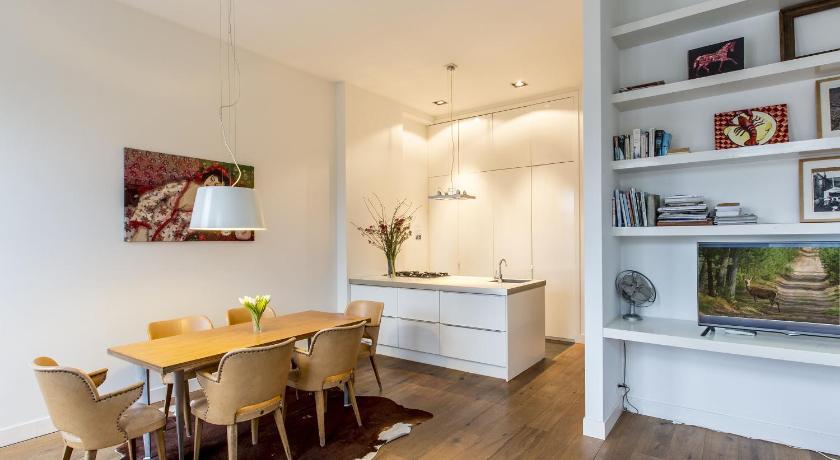 Stadhouderskade Apartment (Amsterdam)