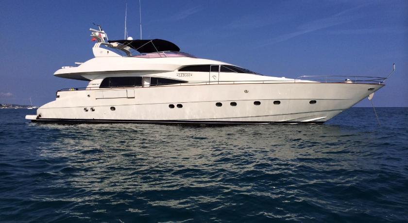 Leigh Yacht (Barcelona)