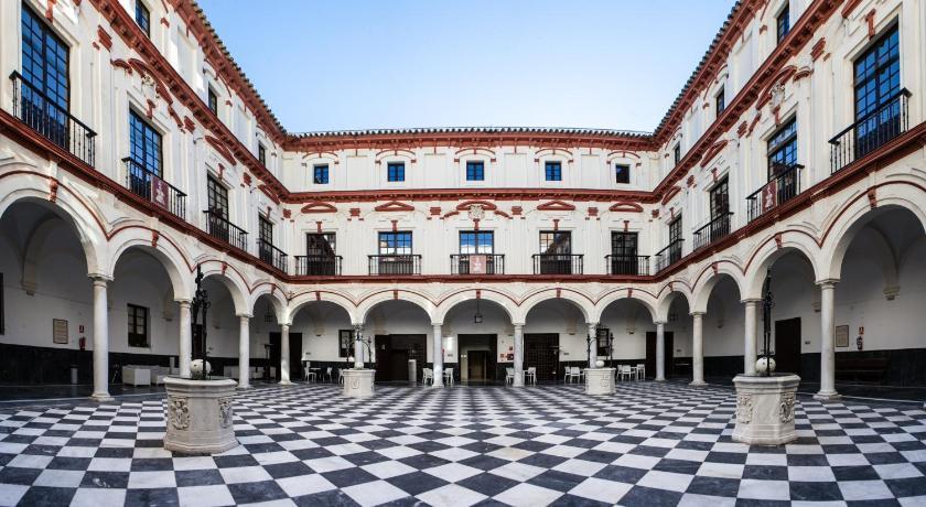 Hotel boutique convento c diz spain - Hotel puertatierra en cadiz ...