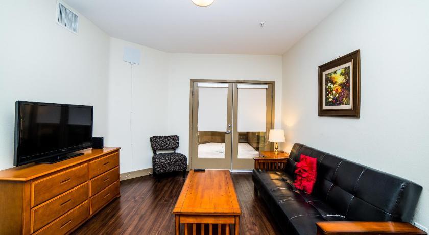 Highland Suite Apartment (Los Angeles)