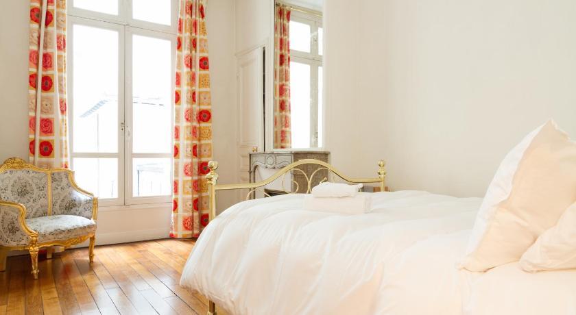 Private Apartment - Saint Germain - Saint Placide (Paris)