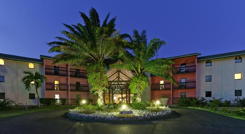 Grand Hotel Montabo ex Novotel Cayenne, Night, Property building