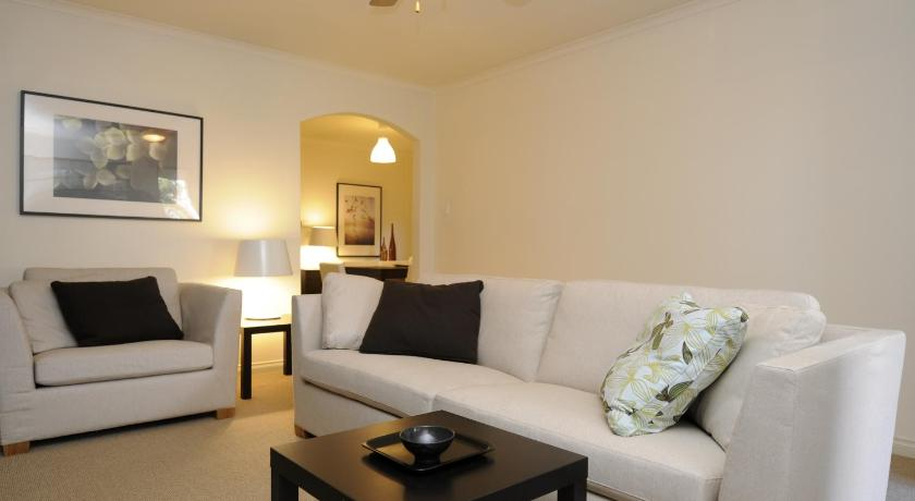 Apartment Feathers Serviced Townhouse