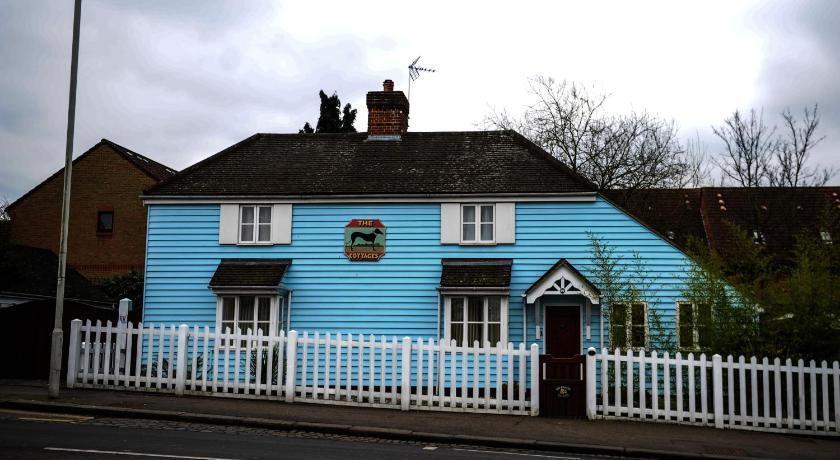 The Greyhound Cottage (London)