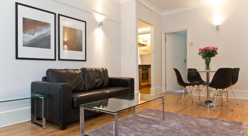 Garrick House Apartment (London)