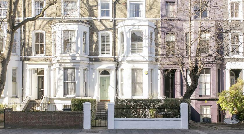 London Escorts Near FG Property - Notting Hill, Westbourne Park Road, Flat 188