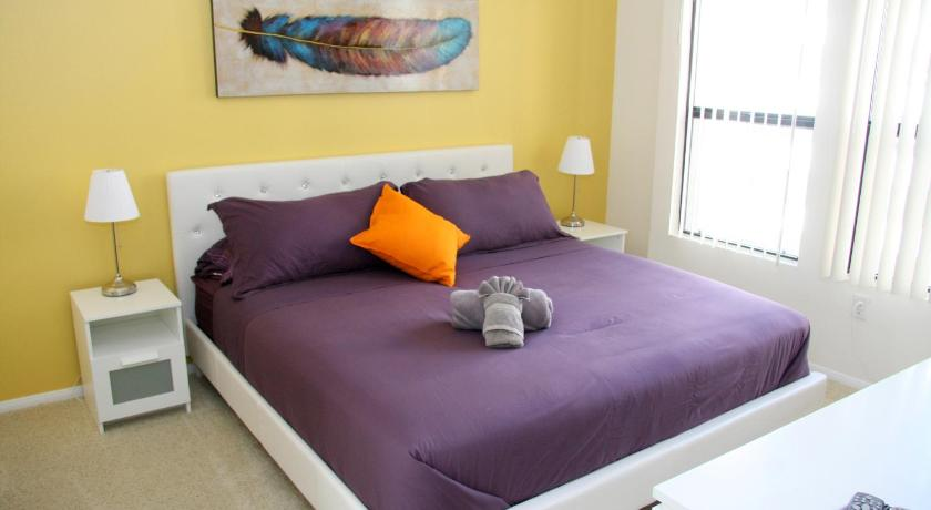 Downtown Resort Style Vacation Apartment, Unit 2K (Los Angeles)