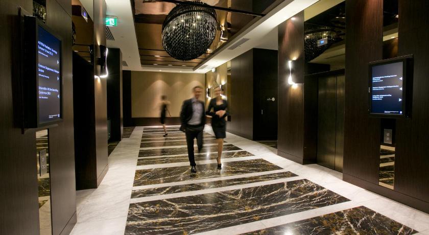 Hotel 207 Adelaide Terrace