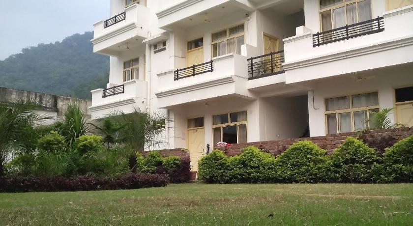 Apartment krishna ganga rish kesh india for Terrace jhula