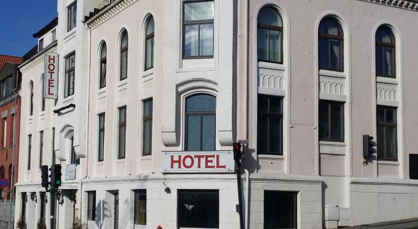 Hotell greven larvik