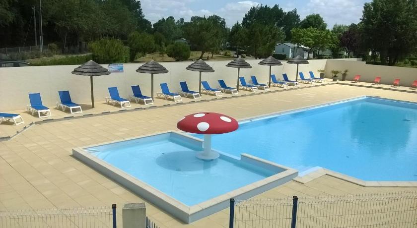 Bleu Lagon Spa Camping le Lagon Bleu